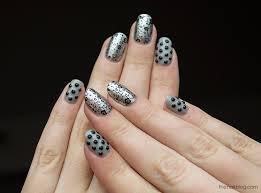 nails grey 2